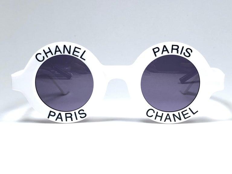 Chanel Vintage Round