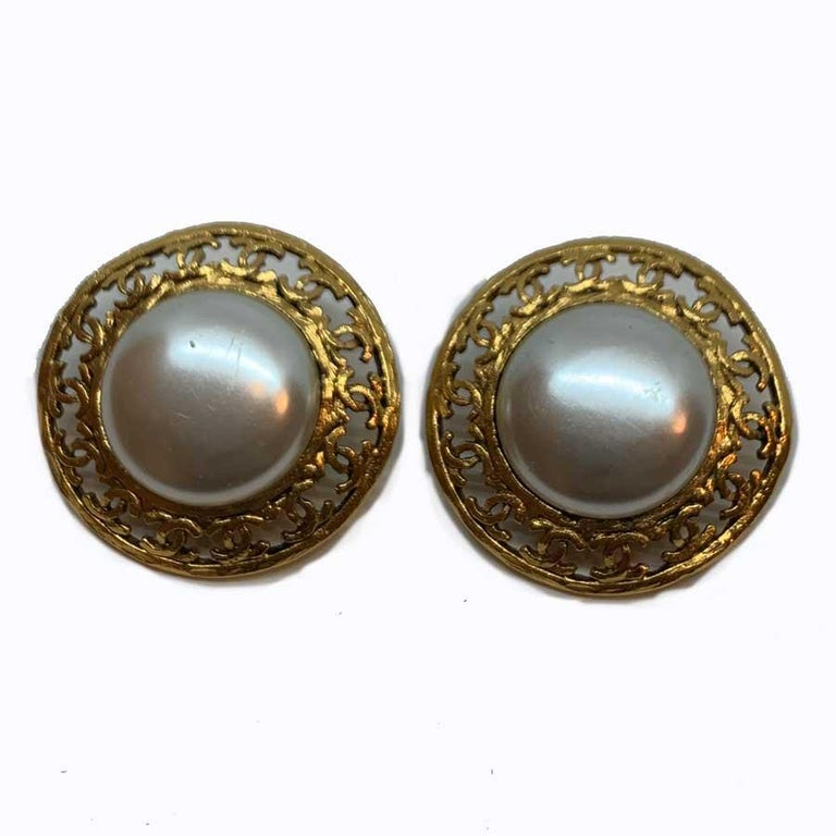 Round Cut CHANEL Vintage Round Clip-On Earrings For Sale