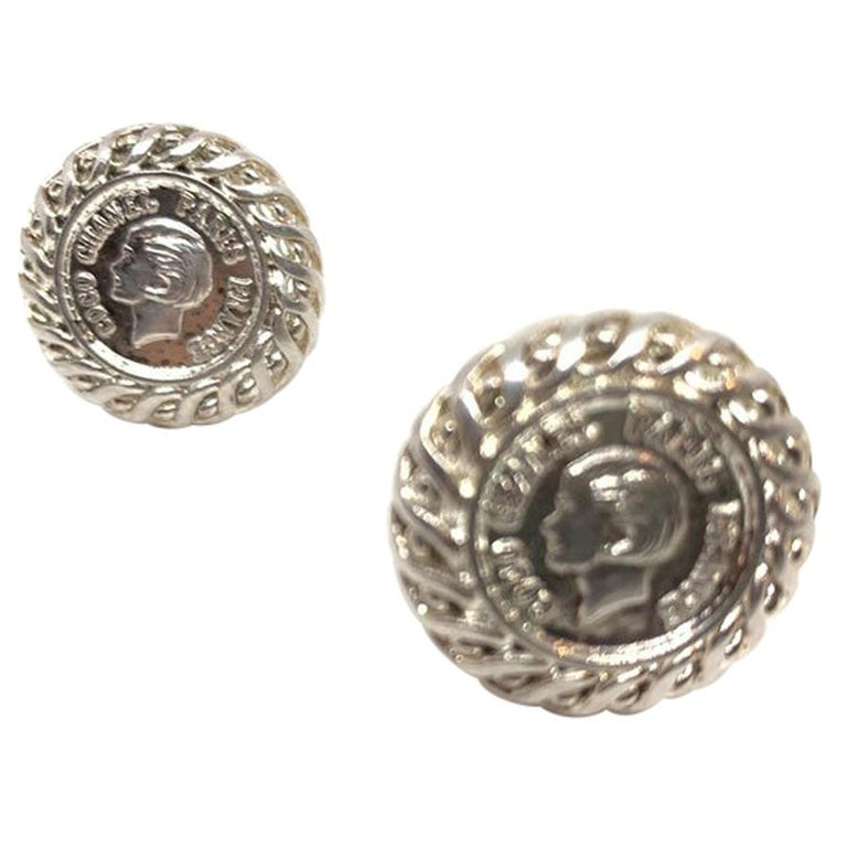 CHANEL Vintage Silver Clips Earring For Sale