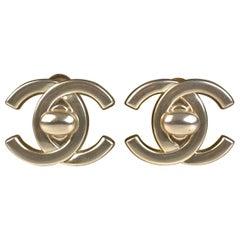 Chanel Vintage Silver Metal Turnlock CC Logo Clip On Earrings