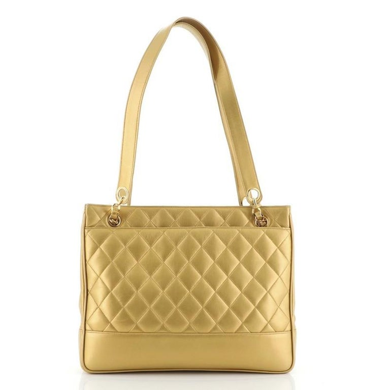 Chanel Vintage Slit Pocket Shoulder Bag Quilted Lambskin Medium In Good Condition For Sale In New York, NY