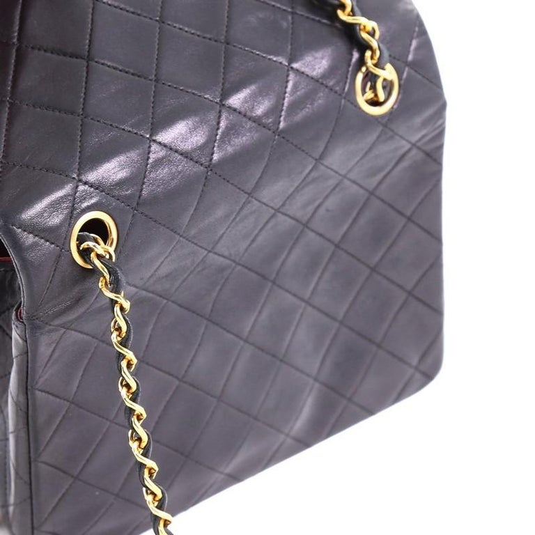e60a2e76d455 Chanel Vintage Square Classic Flap Bag Quilted Lambskin Small For Sale 3