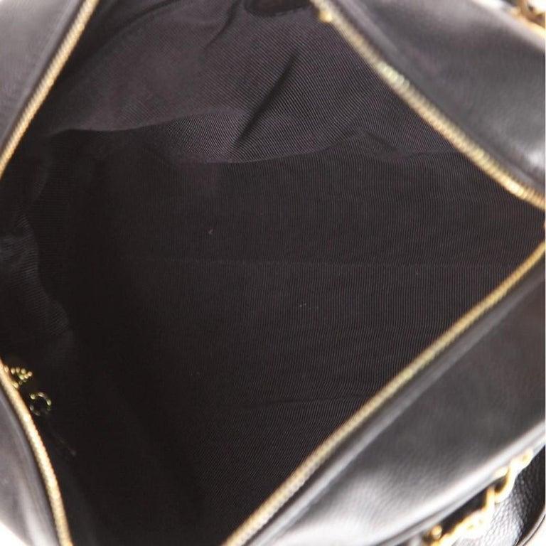 Chanel Vintage Stitched CC Shoulder Bag Caviar Medium For Sale 2