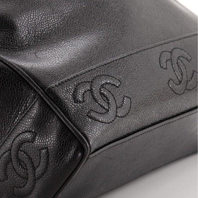 Chanel Vintage Stitched CC Shoulder Bag Caviar Medium For Sale 3