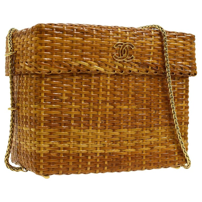 Chanel Vintage Tan Wicker Gold Picnic Lunch Bucket Shoulder Flap Small Bag For Sale