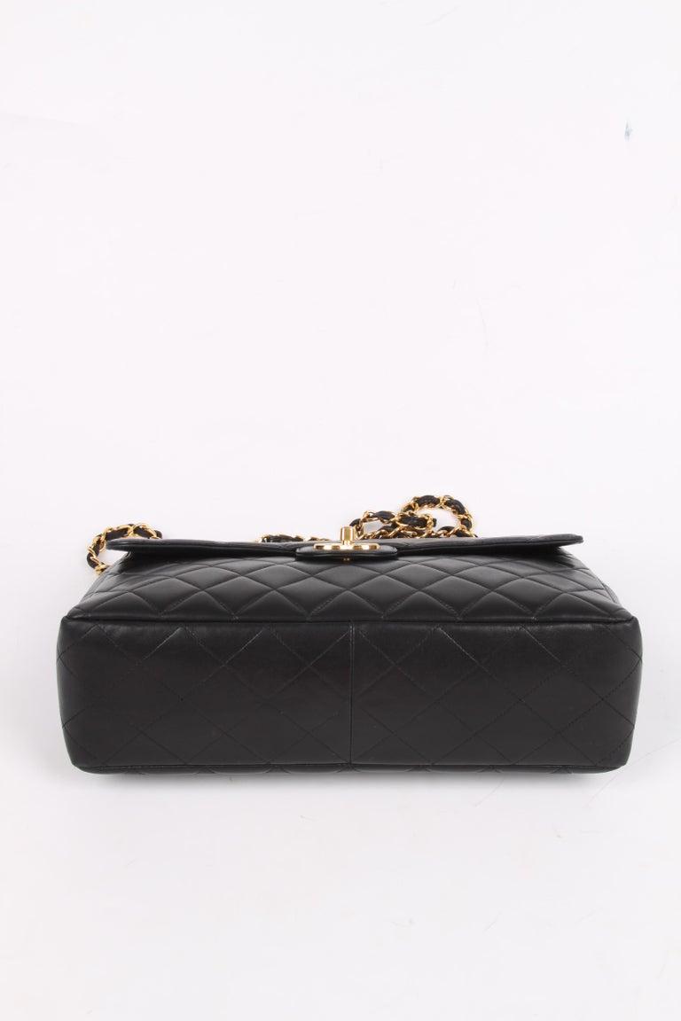 Chanel Vintage Timeless Jumbo Single Flap Bag - black/gold For Sale 1