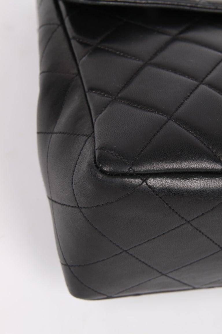 Chanel Vintage Timeless Jumbo Single Flap Bag - black/gold For Sale 2