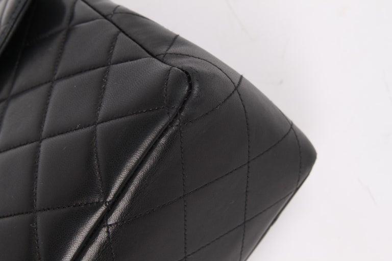 Chanel Vintage Timeless Jumbo Single Flap Bag - black/gold For Sale 3