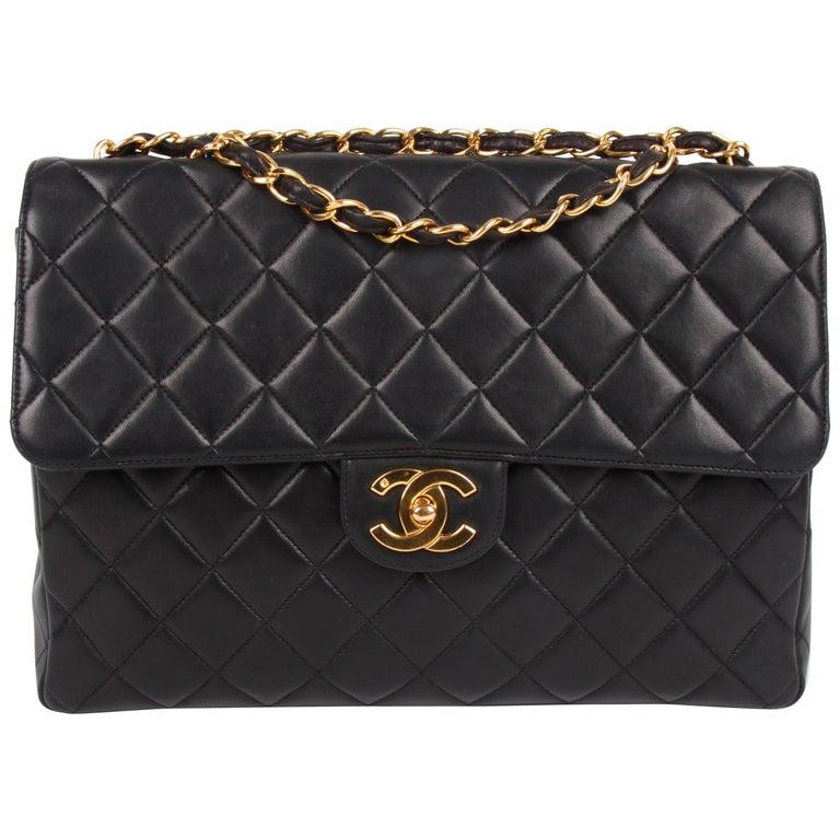 Chanel Vintage Timeless Jumbo Single Flap Bag - black/gold For Sale