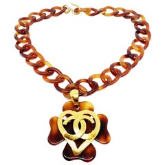 CHANEL Vintage Tortoiseshell Heart Necklace