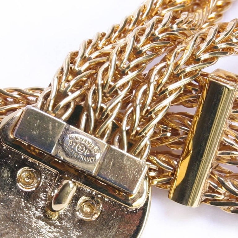 Chanel Vintage Triple Golden Chain Belt Size 70EU In New Condition For Sale In Paris, FR