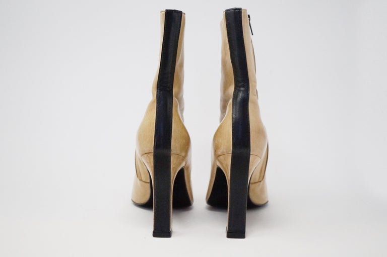 Chanel Vintage Two-Tone Lambskin Heeled Boots, circa 1960, Handmade in France For Sale 5