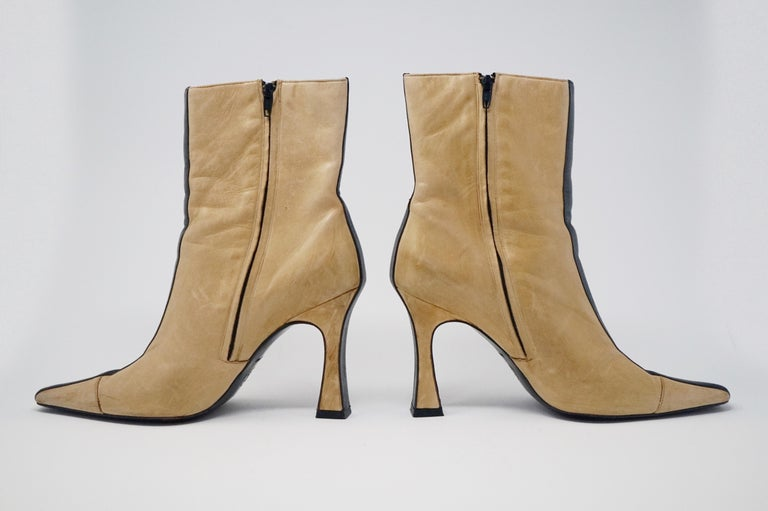 Chanel Vintage Two-Tone Lambskin Heeled Boots, circa 1960, Handmade in France For Sale 6