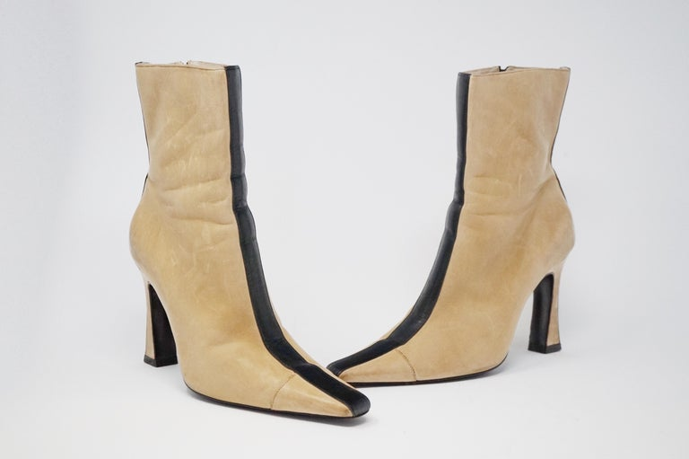 Chanel Vintage Two-Tone Lambskin Heeled Boots, circa 1960, Handmade in France In Good Condition For Sale In Los Angeles, CA
