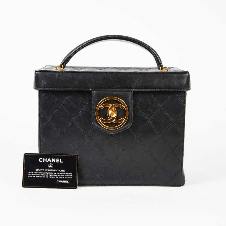 849a21c5177fa9 CHANEL Vintage Vanity Case in Black Smooth Quilted Lambskin Leather In  Excellent Condition For Sale In