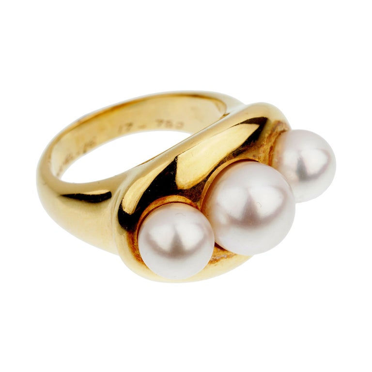Chanel Vintage Yellow Gold Pearl Cocktail Ring For Sale