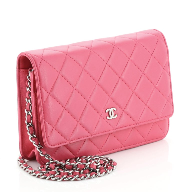 Chanel Wallet In Good Condition For Sale In New York, NY