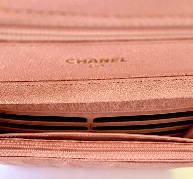 Chanel Wallet on Chain 19s Iridescent Pearly Pink Woc  Caviar Cross Bo In New Condition For Sale In Delray Beach, FL