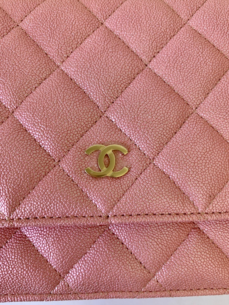 Chanel Wallet on Chain 19s Iridescent Pearly Pink Woc  Caviar Cross Bo For Sale 1