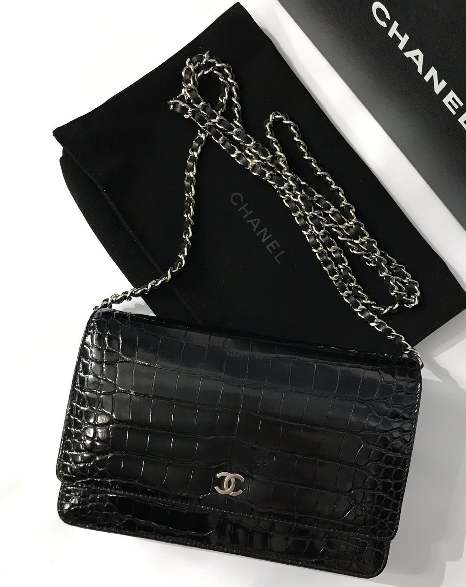 df10255d652d CHANEL wallet on Chain in crocodile at 1stdibs