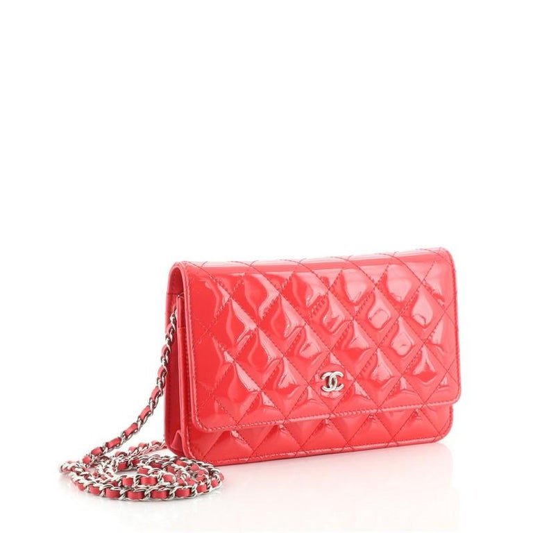 Chanel Wallet on Chain Quilted Patent In Good Condition For Sale In New York, NY