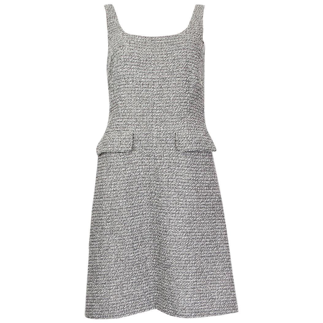 CHANEL white & black cotton BOUCLE Sleeveless Shift Dress 36
