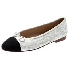 Chanel White/Black Lace And Leather Bow Cap Toe Ballet Flats Size 40These ballet