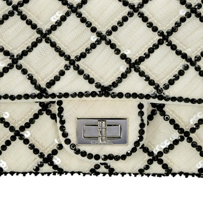 Chanel White/Black Sequinned Mesh Limited Edition 2.55 Reissue Flap Bag For Sale 8