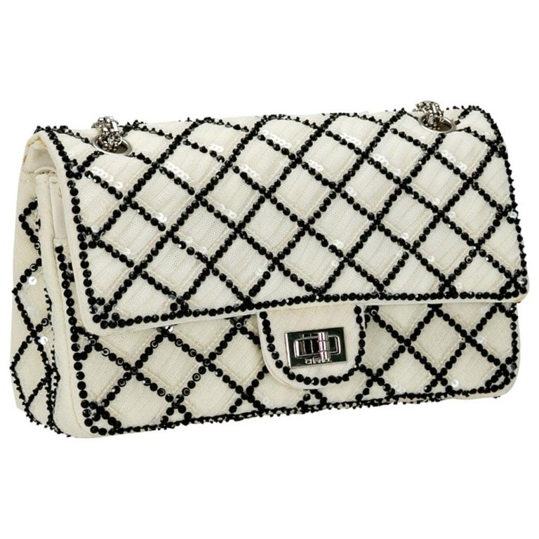 Women's Chanel White/Black Sequinned Mesh Limited Edition 2.55 Reissue Flap Bag For Sale