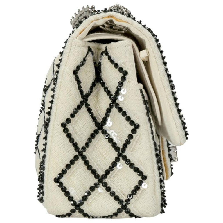 Chanel White/Black Sequinned Mesh Limited Edition 2.55 Reissue Flap Bag For Sale 1