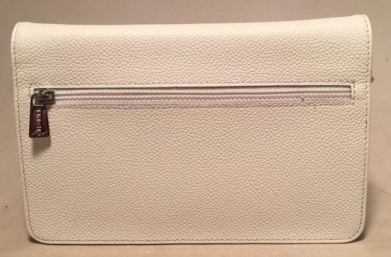 Chanel White Caviar Leather Wallet on Chain WOC Clutch Shoulder Bag In Excellent Condition For Sale In Philadelphia, PA