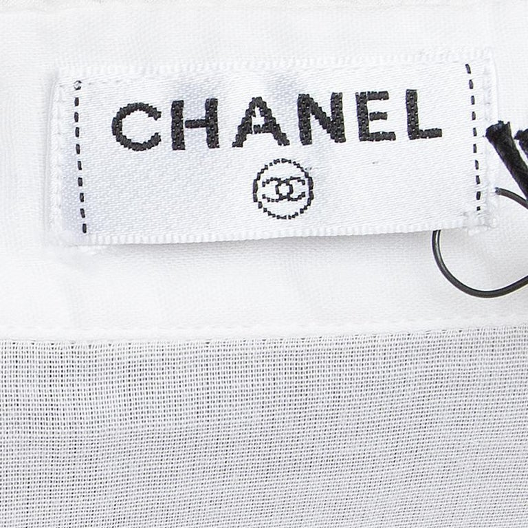 CHANEL white cotton voile Short Sleeve Tuxedo Shirt XS In Excellent Condition For Sale In Zürich, CH
