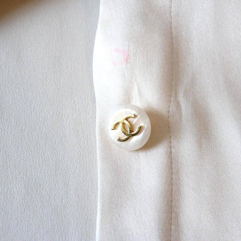 Chanel White Cream Silk Shirt  In Excellent Condition For Sale In Gazzaniga (BG), IT
