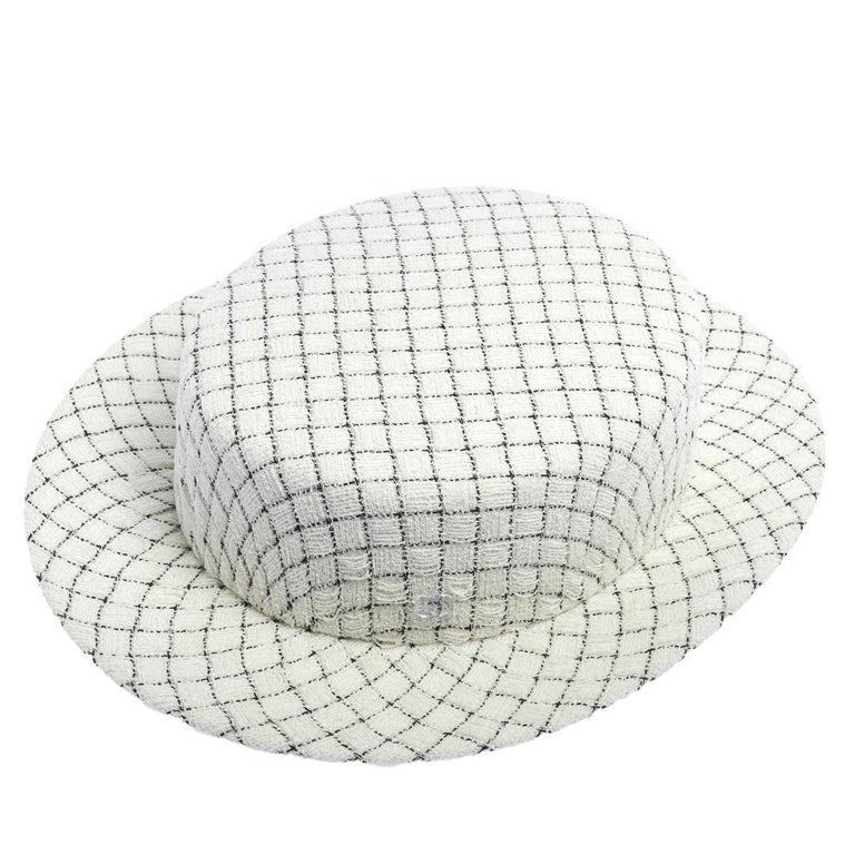 Chanel White Fantasy Tweed Boater Hat L In Good Condition For Sale In Dubai, Al Qouz 2