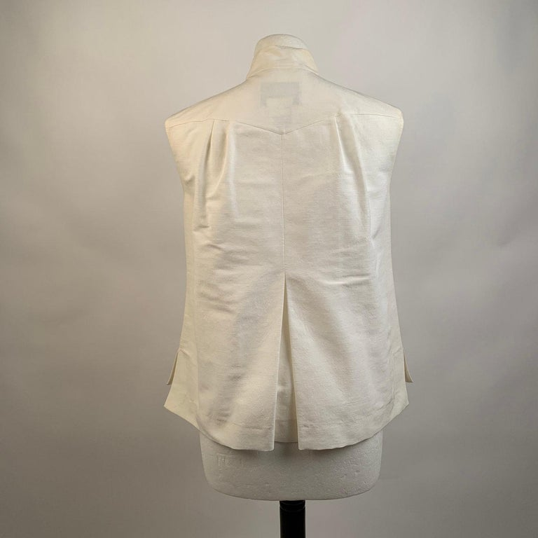Chanel White GrosGrain Vest Sleeveless Top with Bow Size 36 For Sale 1