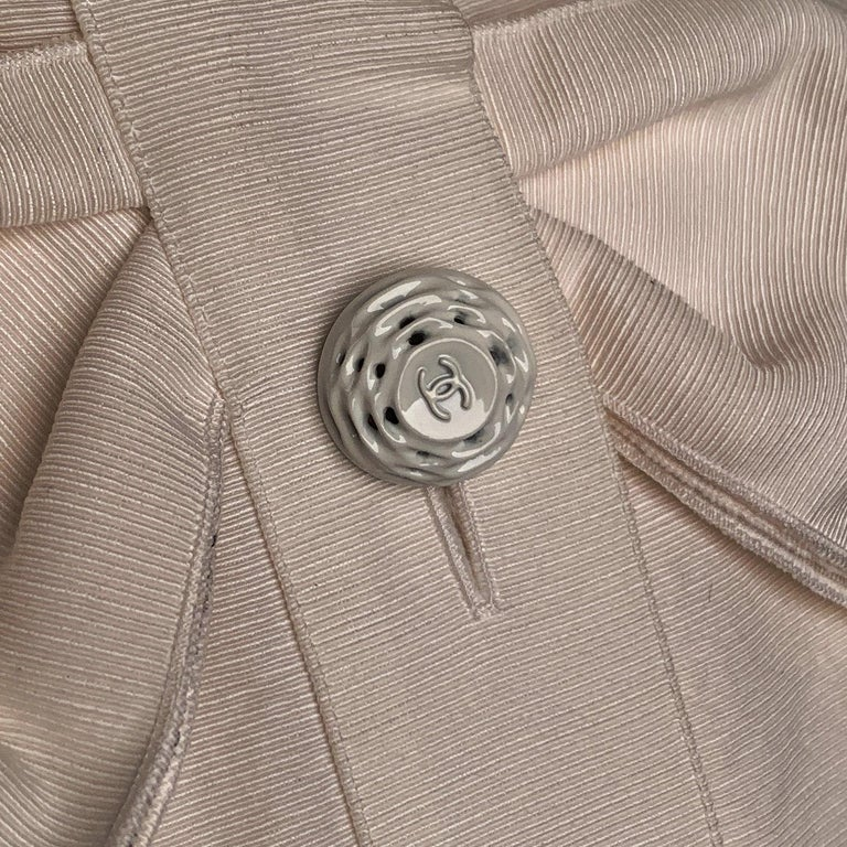 Chanel White GrosGrain Vest Sleeveless Top with Bow Size 36 For Sale 3