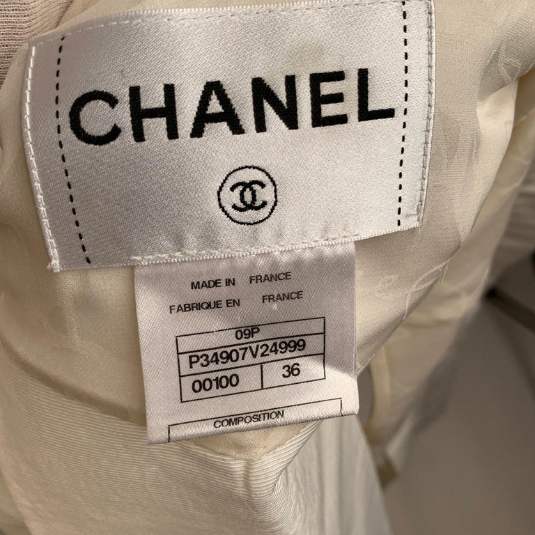 Chanel White GrosGrain Vest Sleeveless Top with Bow Size 36 For Sale 4