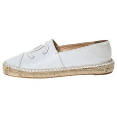 Chanel White Leather Slip On CC Espadrilles Size 37