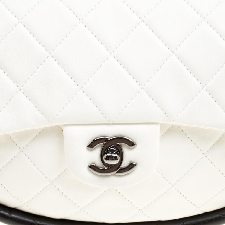 5cdd380554f8 Chanel White Quilted Leather Hula Hoop Bag For Sale 6