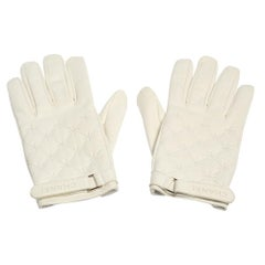 Chanel White Quilted Strap Gloves