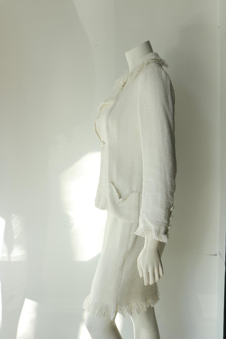 Chanel white suit  For Sale 1