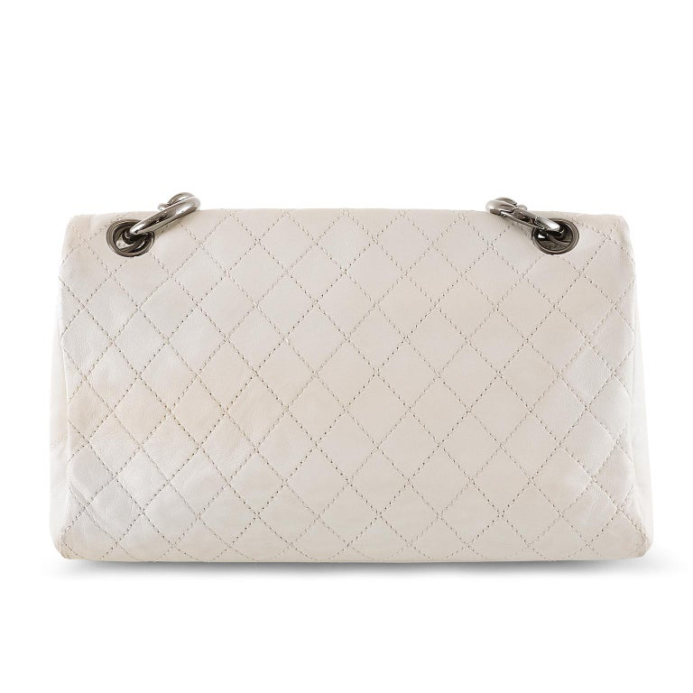 Chanel White Topstiched Leather Flap Bag In Good Condition For Sale In Palm Beach, FL