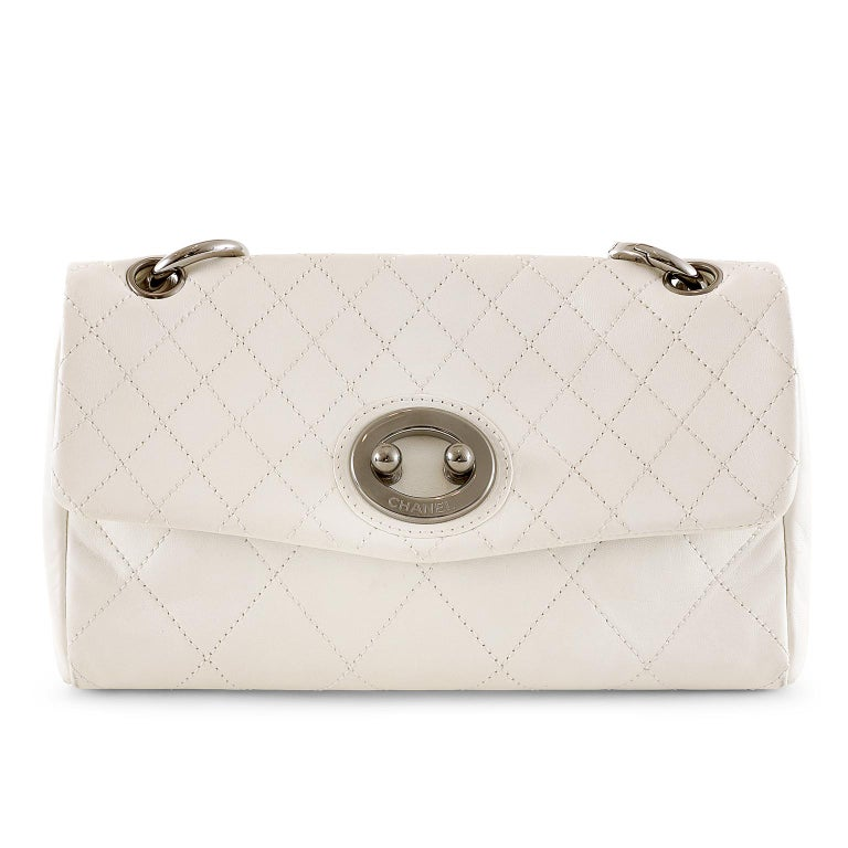 Women's Chanel White Topstiched Leather Flap Bag For Sale