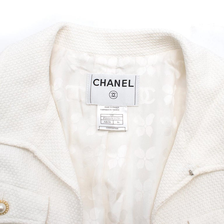 Women's or Men's Chanel White Tweed Classic Jacket - Size US 4
