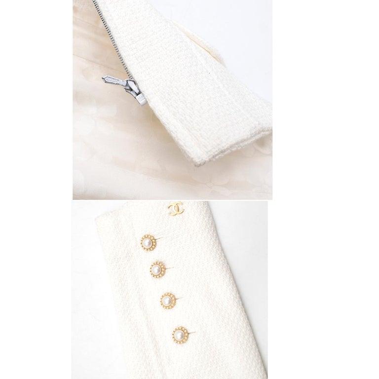 Chanel White Tweed Classic Jacket - Size US 4 4