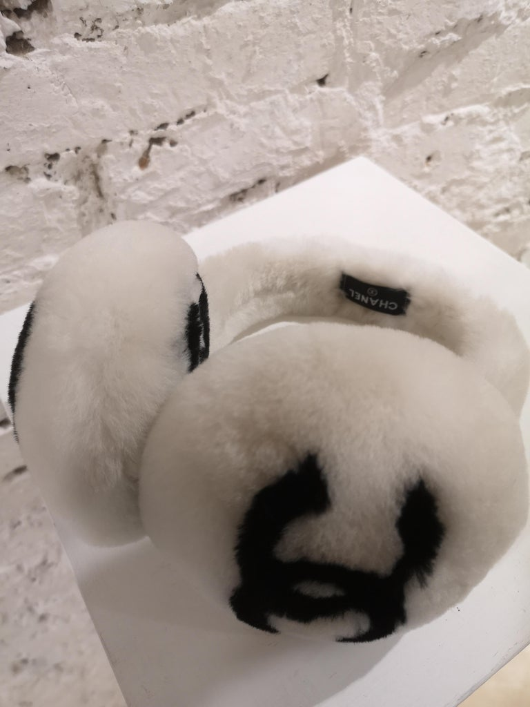 Chanel White with black CC logo earmuffs  For Sale 2