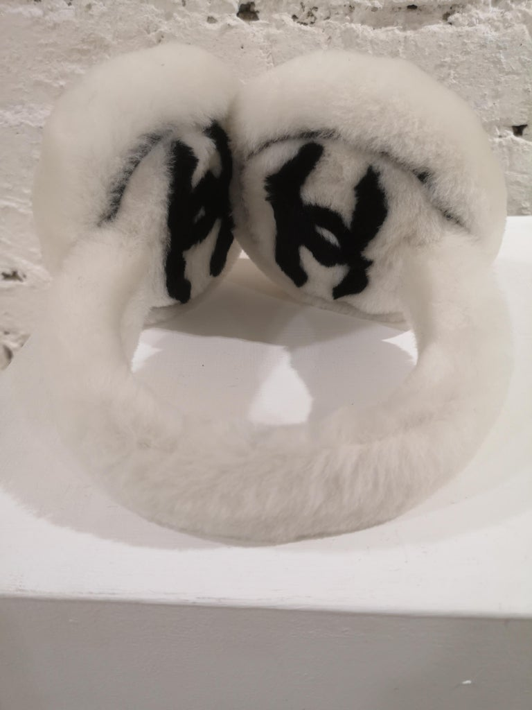 Chanel White with black CC logo earmuffs  For Sale 3