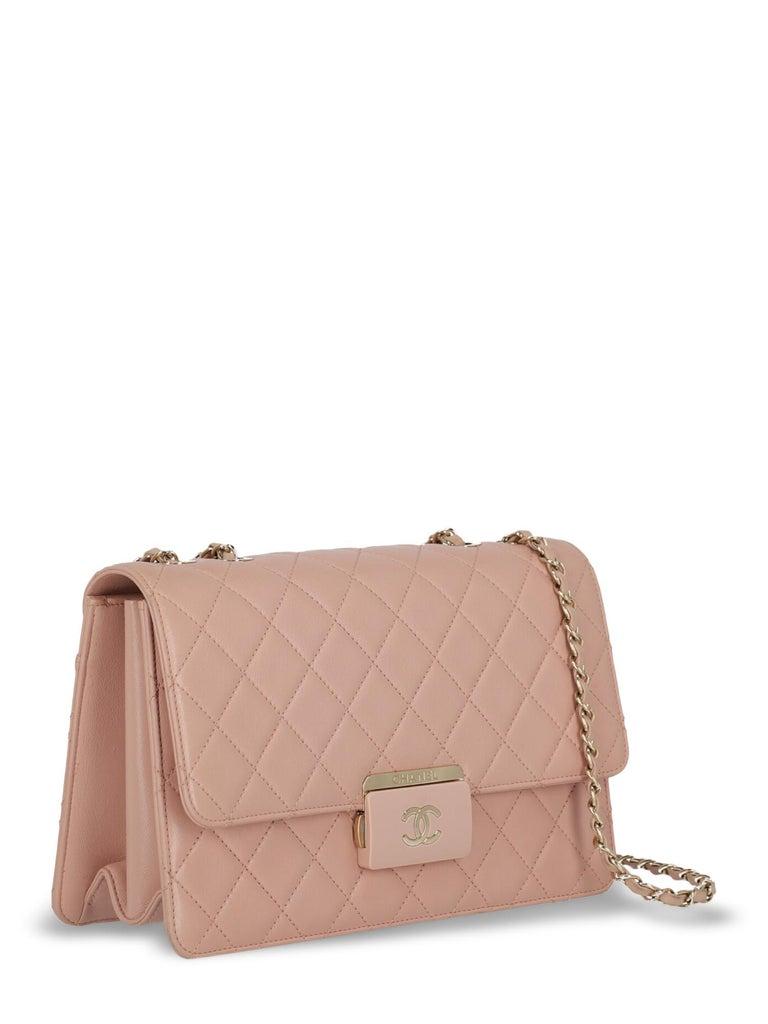 Beige Chanel Woman Shoulder bag Pink  For Sale