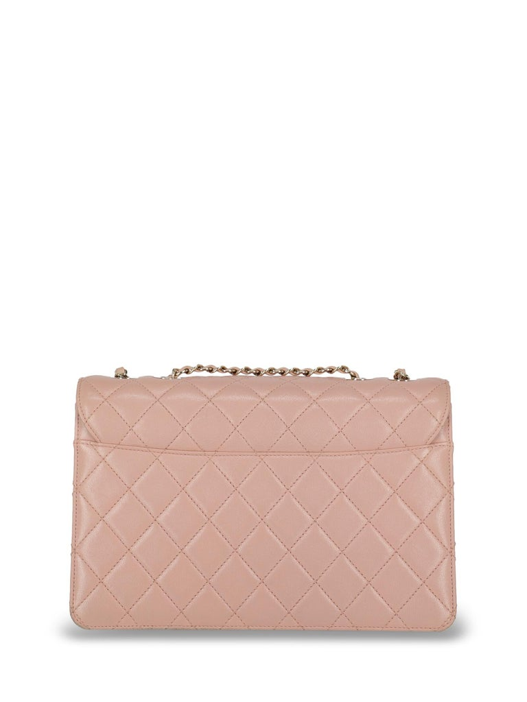 Chanel Woman Shoulder bag Pink  In Good Condition For Sale In Milan, IT
