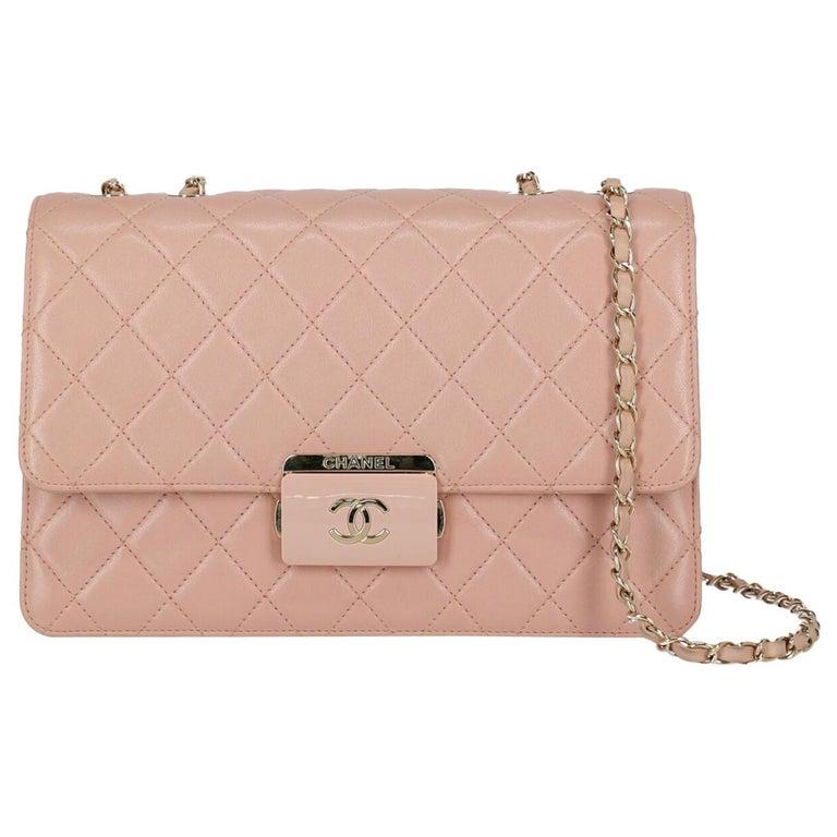 Chanel Woman Shoulder bag Pink  For Sale